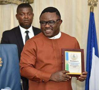 Ayade wins Vanguard award