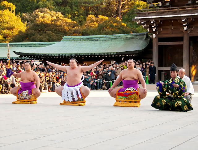 Dezuiri (ring-entering ritual by the Grand Champion of Sumo) at Meiji Shrine, Tokyo