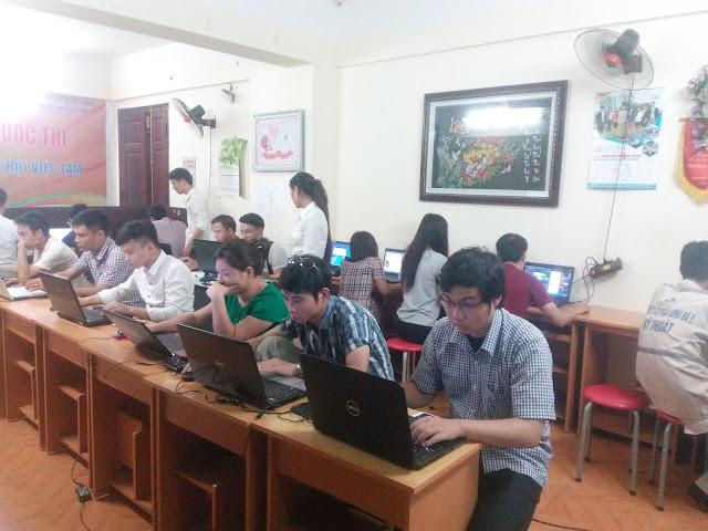 Các học viên tại Việt Tâm Đức
