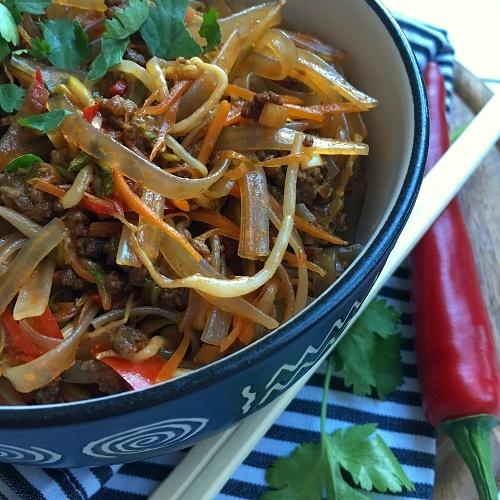 Glasnudelsalat mit Rinderhack und Gemüse ~ Funtschosa
