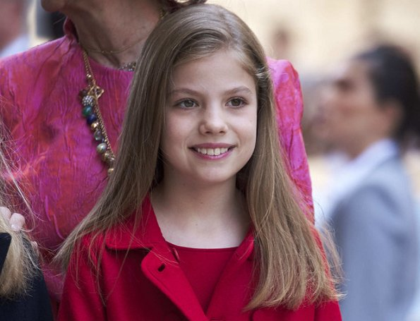 King Felipe and Queen Letizia. She has an older sister, Princess Leonor. Infanta Sofía of Spain