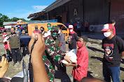 Dandim Dampingi Wali Kota Surakarta Bagikan Sembako dan BST Ke Warga Terdampak Covid-19