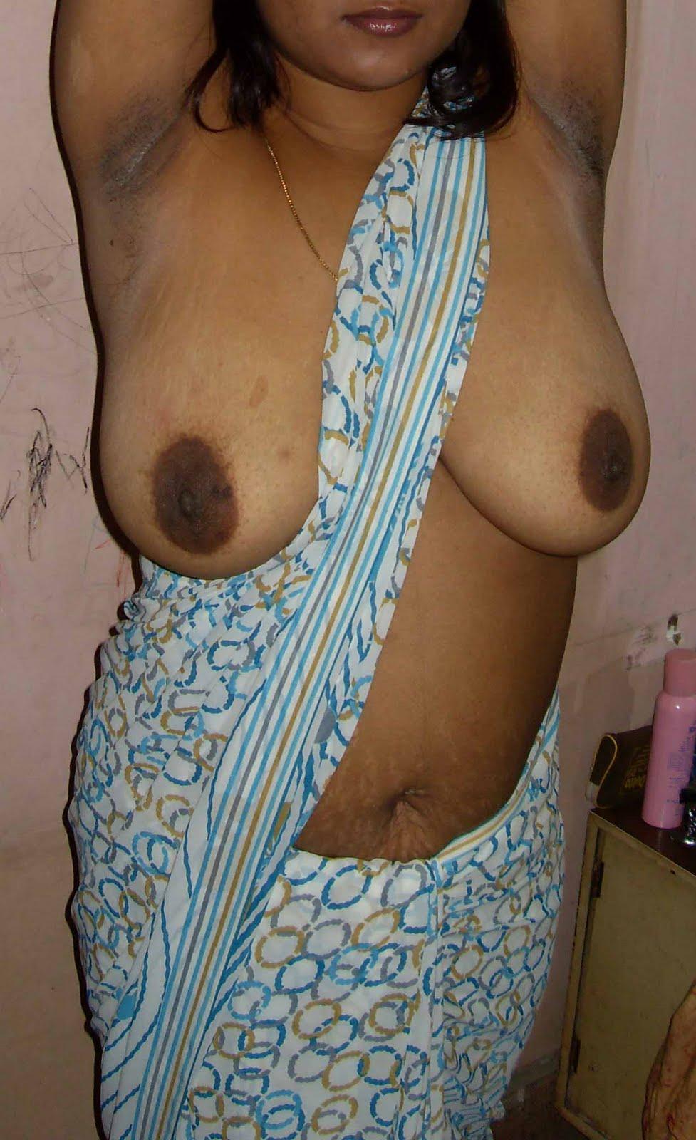 Aunty Saree Boobs