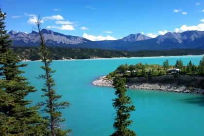 ทะเลสาบอับราฮัม (Abraham Lake) @ www.wanderwisdom.com