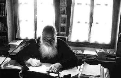 Η θεολογία της... Γκρίνιας  Μοναχού Μωυσέως Αγιορείτου