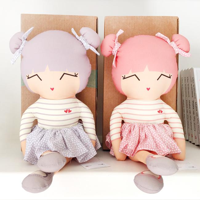 cute dolls, shopping, amsterdam