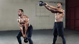 exercícios futebol musculação benefícios faz mal kettlebell swing balanço