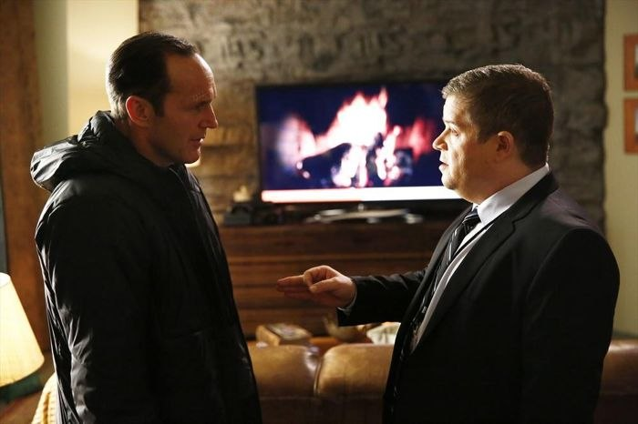 COULSON Y KOENIG (PATTON OSWALD)