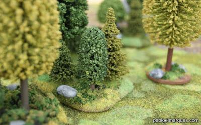 Bosque verde y verde amarillento