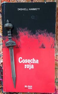 Portada del libro Cosecha roja, de Dashiell Hammett