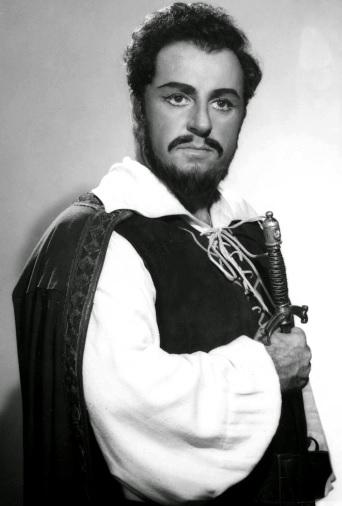 Foto de Luciano Pavarotti como un caballero