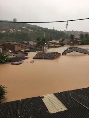 Chuvas enchem barragens e deixam desalojados, desabrigados e mortos em Pernambuco