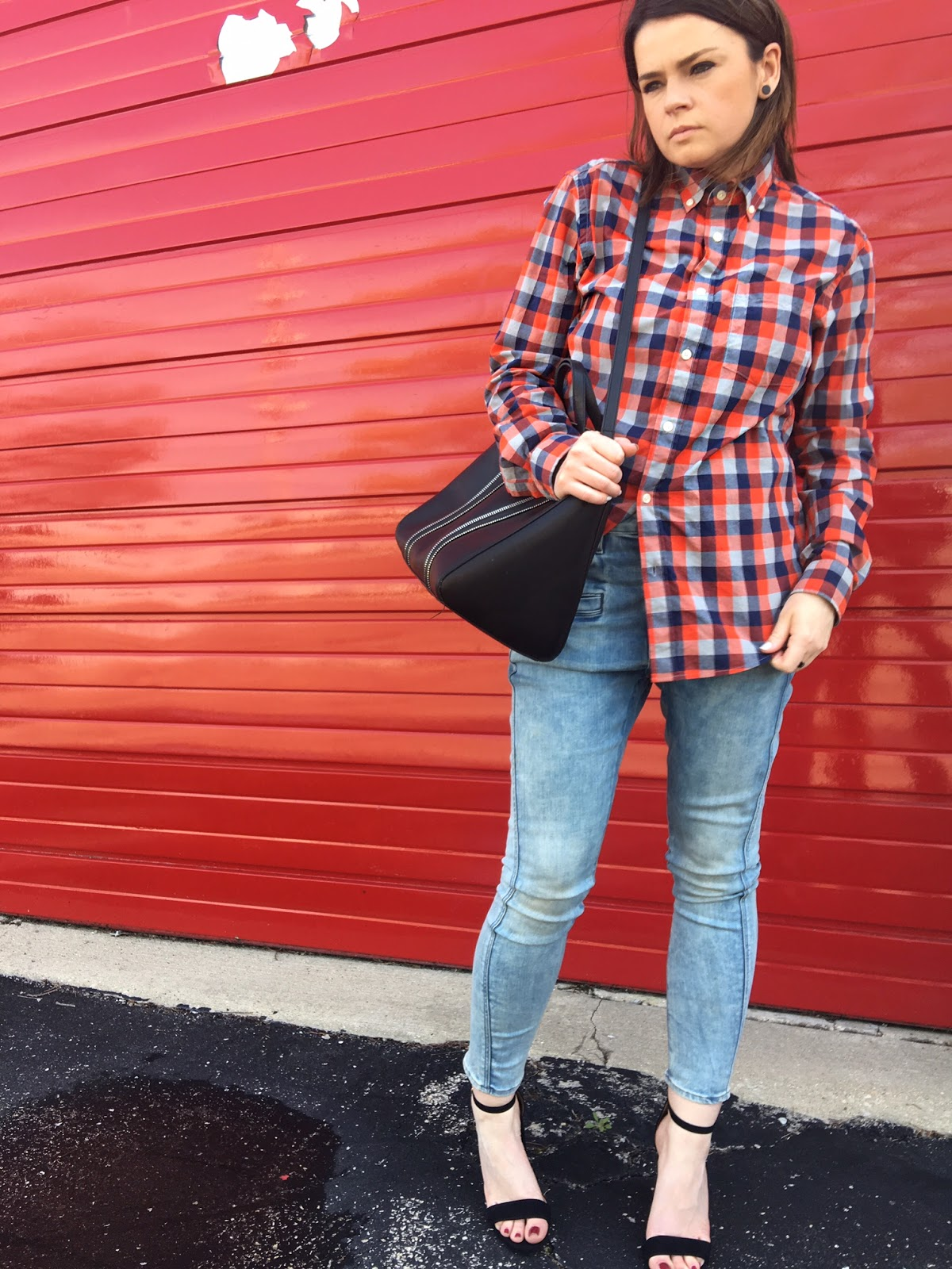 how to wear a men's plaid shirt