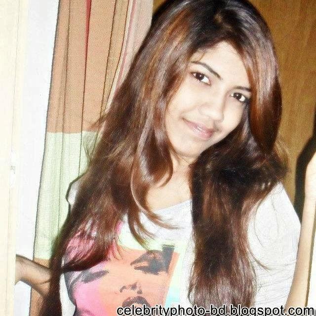 Sexy BD Girl Nusrat Zara's Unseen Latest Hot Photos