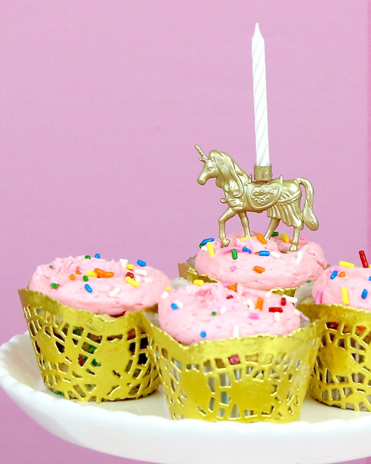 VIDEO DIY Gold Unicorn Birthday Candle Cupcake Toppers