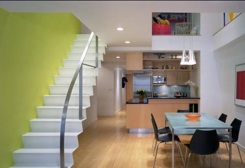 Fotos de escaleras pasamanos escaleras interiores for Imagenes escaleras interiores