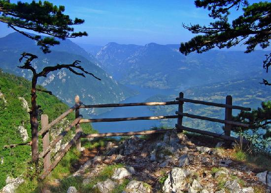 https://i0.wp.com/2.bp.blogspot.com/-c1J8faGV8WI/UFTgKyVCznI/AAAAAAAAAWc/CVlEKT51lOI/s1600/serbian-nature.jpg?resize=676%2C483
