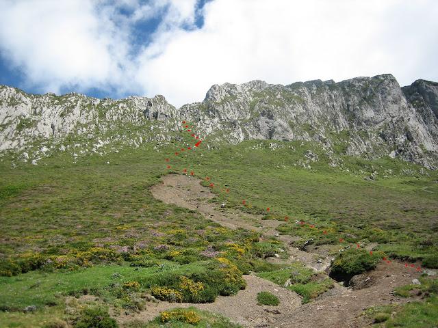 Rutas Montaña Asturias: Canal de la Misa, camino al Canto Cabronero
