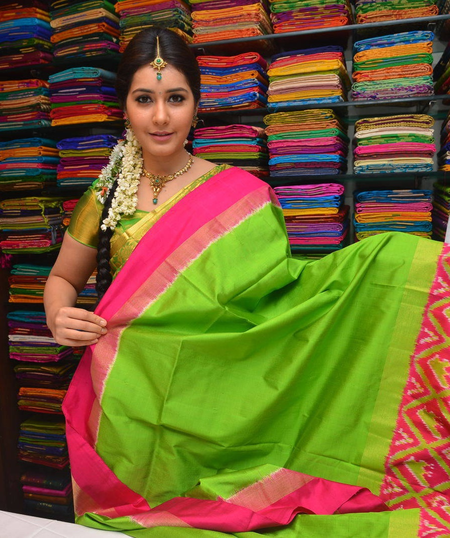 Rashi Khanna At Kanchipuram Kamakshi Silks Launch