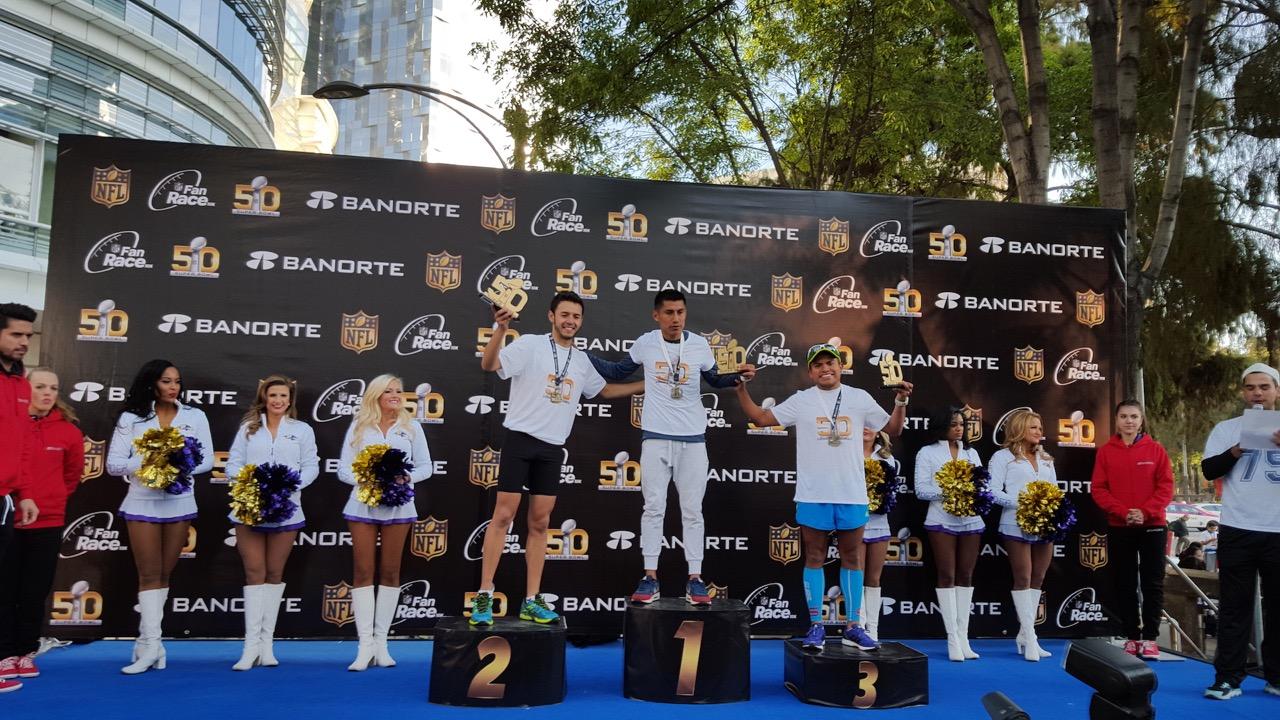 Circuito Gandhi : Unileventv: celebran el súper bowl 50 con la carrera nfl fan race en