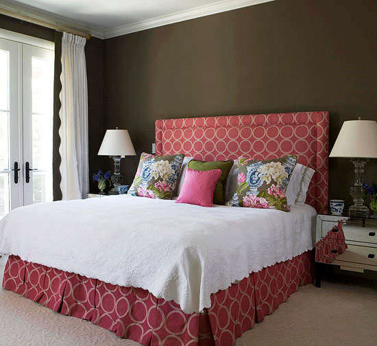 2012 headboards decorating ideas decorating idea - Above the headboard decorating ...