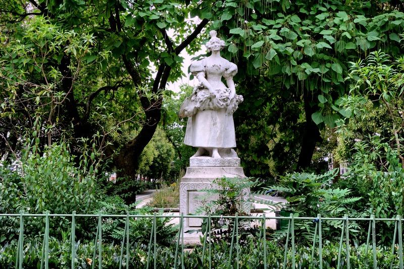 Paris : La Grisette de 1830, incarnation du vieux Paris populaire ...