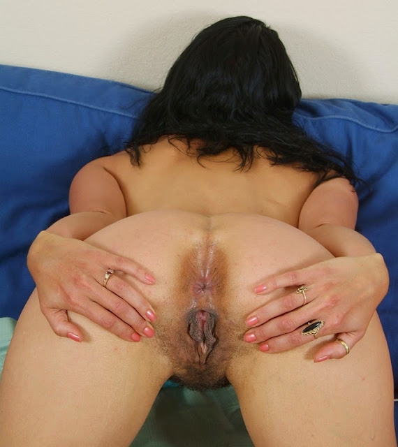 Milf has a big ass hole