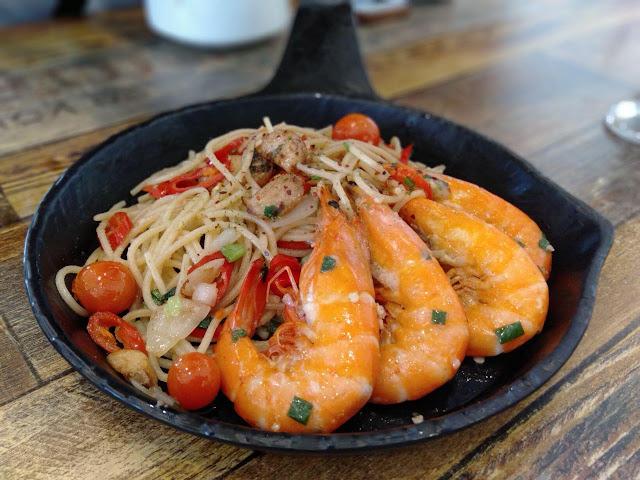 spaghetti prawn aglio olio restoran lemon tree johor bahru