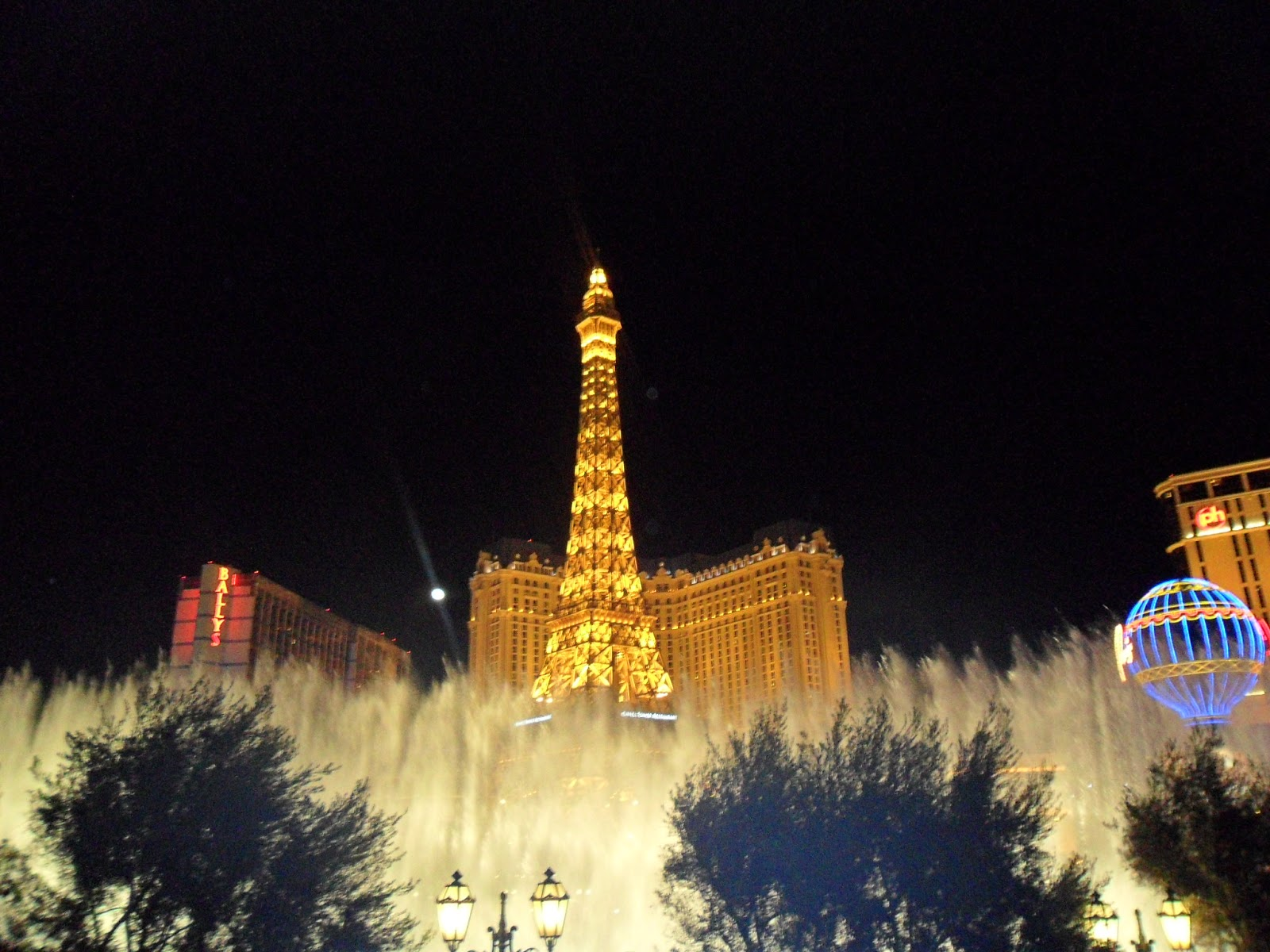 Expat Life With Chickenruby The Paris Hotel Las Vegas