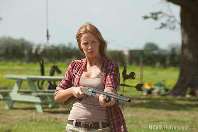 Emily Blunt puts on a great American Mid-West accent in Looper