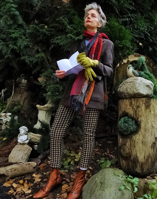 Bag and a Beret in the magic forest