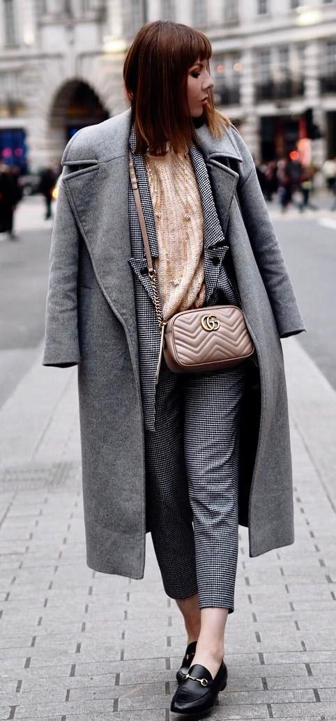 how to wear a grey coat : blouse + bag + plaid set