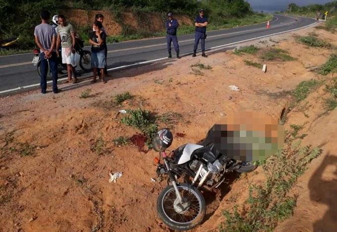 Mulher morre e homem fica ferido em acidente com moto em Caldeirão Grande