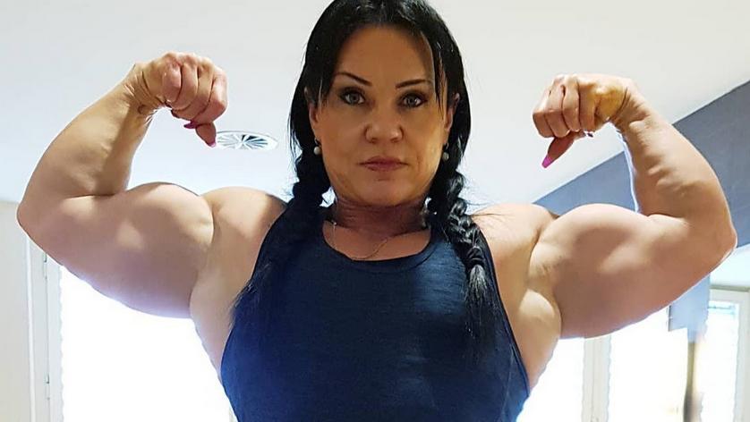 Clip 16 Inch Huge Biceps Girl Bodybuilder. 10 steps for huge arms (Part 1) :