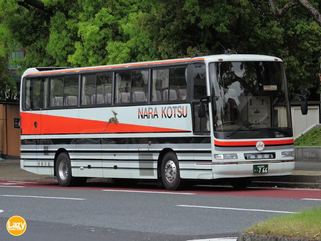 奈良200か・766在近鐵奈良站候命。