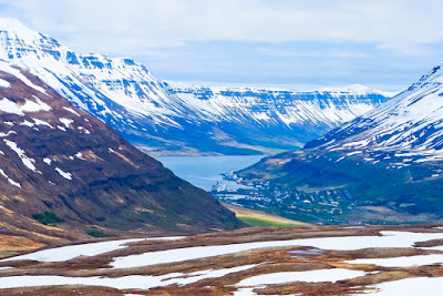Temperatures rise and the snow starts to melt in Iceland in May with great weather