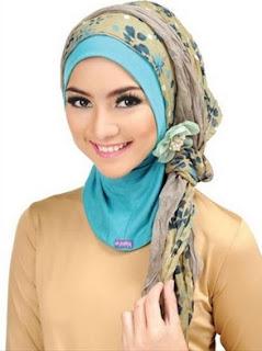 Contoh model hijab menghadiri pernikahan