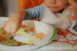 comportamento a tavola bambini