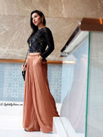 http://www.stylishbynature.com/2016/03/5-style-tips-on-how-to-wear-wide-leg.html