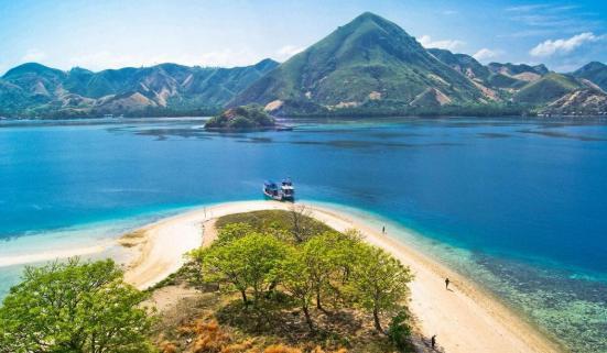 Pulau Bawean Tempat Wisata Jawa Timur Yang Murah Tapi Menakjubkan