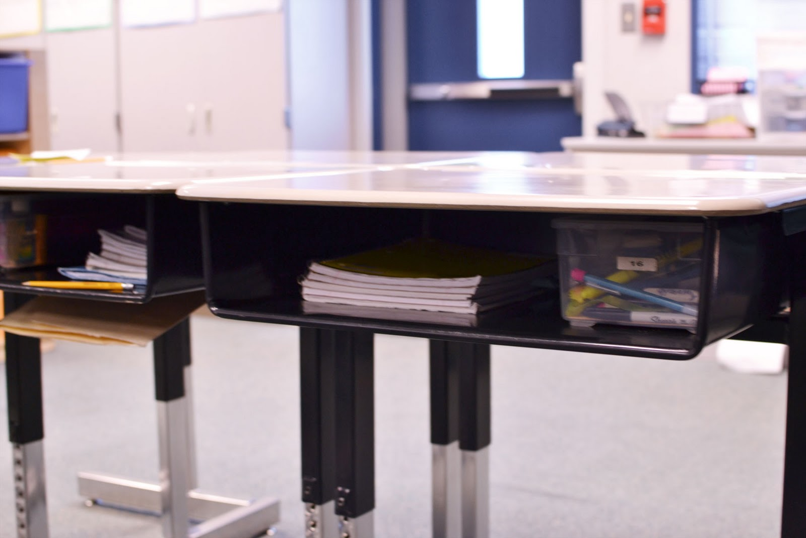 Heidi Has A Hobby Potd Day 186 Clean Desk, Messy Desk. Nail Desks For Sale. Drawer Microwaves Ovens. Yoga For Desk Workers. Bar Table For Kitchen. Light Oak Coffee Table. Drama Desk Awards. Index Card Drawer. Diy Music Workstation Desk