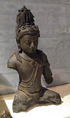 Arca Maitreya dari Komering, Sumatera Selatan, seni Sriwijaya sekitar abad ke-9 M.