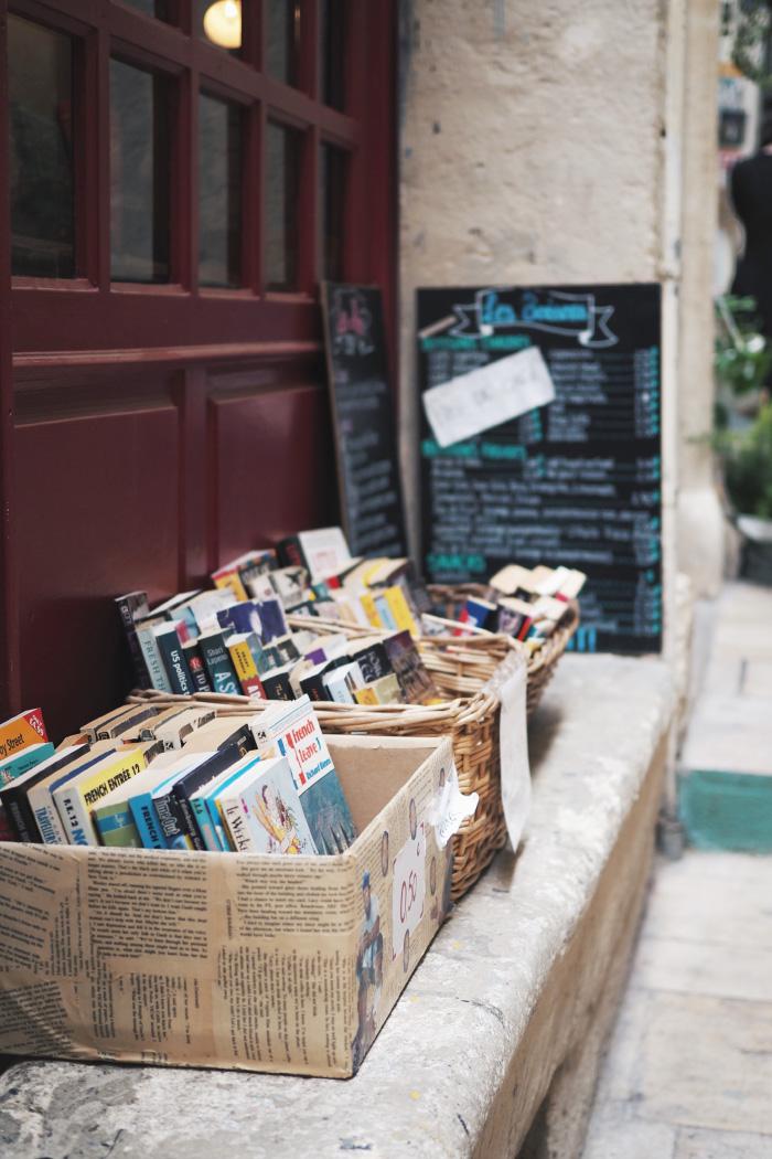 Livres d'occasion dans les rues de Montpellier