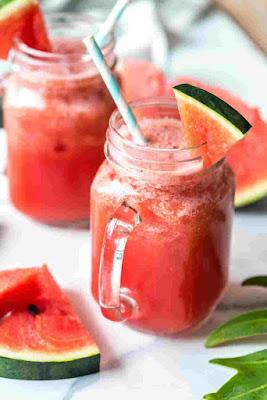 عصير البطيخ مع الفراولة