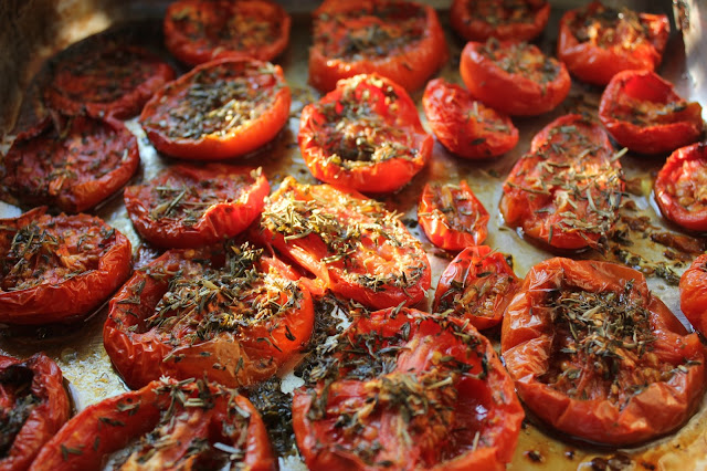 how to oven-dry sliced tomato for freezing
