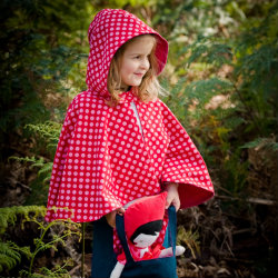 Reversible hooded cape size 4/5