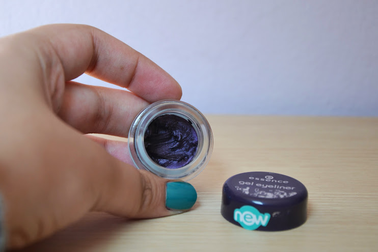 Review: Essence Gel Eyeliner in Berlin Rocks
