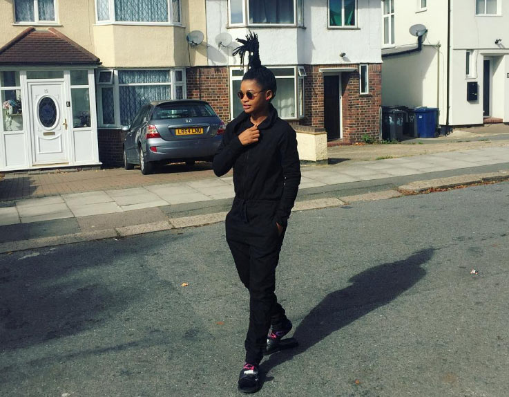 "Female rapper Splash steps out wtih ""kungfu"" hairstyle in London"