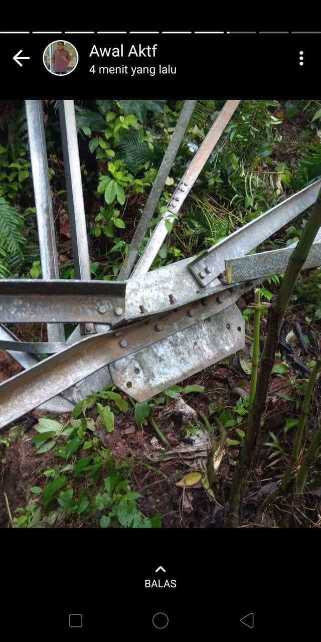 PRESS REALESE PLN SUMBAR : TOWER TRANSMISI BIRUN ROBOH KARENA DICURI ?