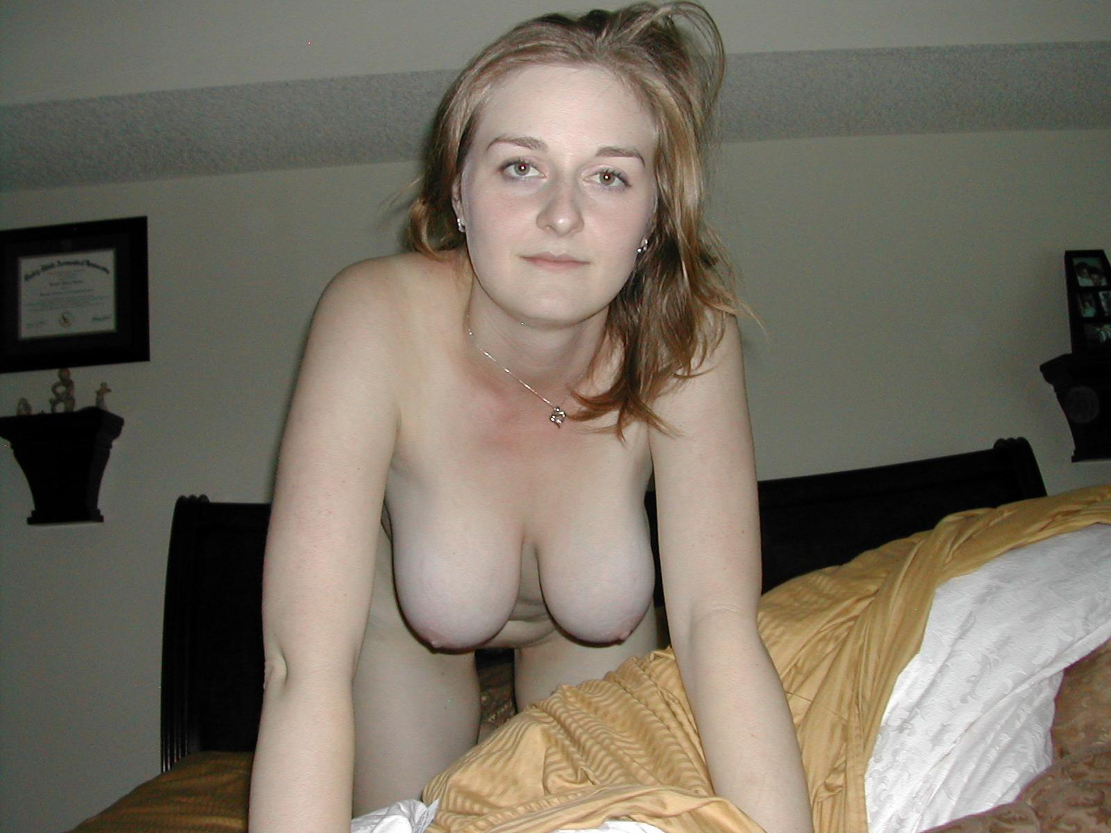 Hot girlfriend from sexxdates with cumshot 3